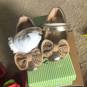 Gold toddler girl dress shoes with Box